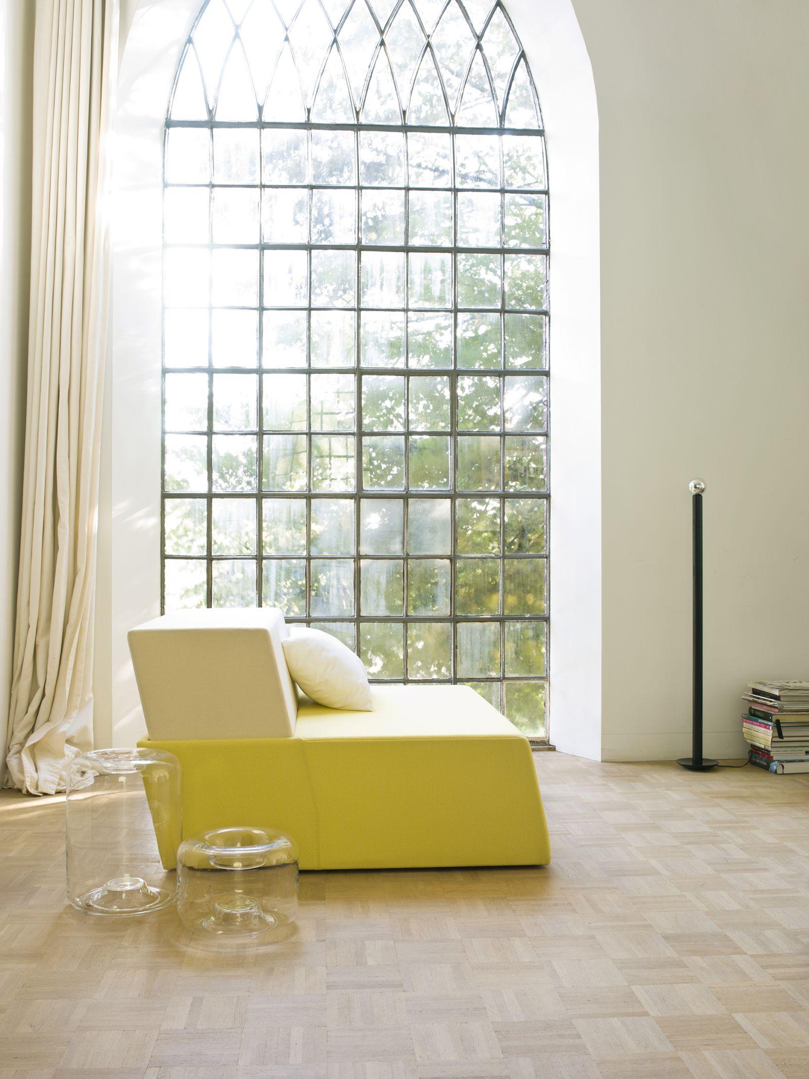 oscar lighting for ligne roset loudordesign studio. Black Bedroom Furniture Sets. Home Design Ideas